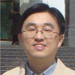"""中国科学院水生生物研究所 """"百人计划""""研究员;博士生导师;水生生物蛋白质组学科组组长;中国科学院超级计算武汉分中心主任。多年来从事功能蛋白质组学领域相关的研究工作,在蛋白基因组学及其分析软件开发、蛋白质的翻译后修饰组及其功能、非编码RNA 的蛋白调控网络等方面,取得了系列成果,近五年来, 在PNAS, Plant Cell, Molecular & Cellular Proteomics, Journal of Proteome Research等国际专业杂志发表通讯作者论文28 篇,这些研究成果促进了功能蛋白质组学技术的发展和应用,也为全面、深入理解藻类胁迫适应的分子机制以及非编码RNA的蛋白调控网络提供了新的研究方向。目前的研究兴趣主要集中在 (1)蛋白基因组学及其分析软件的开发;(2) 非编码RNA与蛋白质相互作用网络及其调控机制等方面; (3)蛋白质翻译后修饰组学及其表观遗传调控机制 。"""