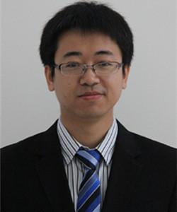 2007年毕业于北京航空航天大学后加入中科科仪,从事扫描电子显微镜的技术开发、项目管理等工作,曾参与国家仪器重大专项场发射扫描电子显微镜、光发射电子显微镜工程化等,现任中科科仪电镜事业部总经理。