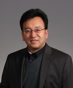 北京工业大学固体微结构与性能研究所研究员,北京市长城学者,博士生导师。师从中国科学院张泽院士,长期从事原位电子显微学方法及仪器的开发,参与并主持多项国家仪器专项的研发,发表论文150余篇,授权发明专利20余项。针对先进结构材料的制备、加工、服役过程中力学性能与显微结构间关系的基础科学问题,研发并完成了原位扫描电镜高温(1200℃)力学微尺度仪器系统,该仪器为系统探究材料显微结构、成分、加工工艺与性能之间关系,满足国家重大战略需求提供了有力的条件保障。目前主要进行原位高温扫描电子显微学研究和高温结构材料(高温合金,耐热刚等)显微结构与性能间关系的原位研究。