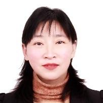 杜振霞,教授,博士生导师,北京化工大学分析测试中心。先后从事了红外光谱、气/质,液/质,超临界色谱/质谱等大型仪器的管理和功能开发等工作。基于与企业的广泛接触,在各种复杂基质样品的分析方法的建立、谱图解析积累了丰富的经验,解决了许多企业的难题。与检科院、国家电网、同方威视、同仁堂及许多高校开展很多合作。2012年在美国普渡大学做访学,期间与美国Waters公司总部建立了合作关系,合作开发了包材中常用聚合物添加剂(300多种物质)的液质联用的谱库,用于E&L高通量多靶标的快速筛查。作为负责人承担和参加了国家科技支撑项目、国家自然科学基金、质检总局公益项目及企业合作项目。在 Analytical Chemistry,Journal of Chromatography A,,Journal of Hazardous Materials,Food Chemistry.等期刊上发表论文100多篇,SCI论文60多篇。完成专著一部,参与编写专著三部。获中国检验检疫学会科技二等奖(排名2,2017),获得北京化工大学十佳教师称号,获得北京化工大学教改一等奖。