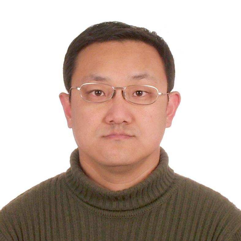 1998年毕业于中国科技大学物理系,1998年进入中科院物理所学习电子显微学,后转到香港城市大学材料与物理系从事纳米线的制备和表征研究,2004年获得博士学位。2004年-2006年在清华大学清华-富士康纳米科技研究中心从事博士后研究;2006年-2009年在富士康科技集团负责纳米复合材料和MEMS器件的研发工作;2010年起在中科院物理所先进材料和结构表征实验室从事科研工作。研究内容涵盖高分辨电子显微学、电子全息、电子能量损失谱、洛伦兹电镜、原位电镜技术及电镜样品杆研发等领域。