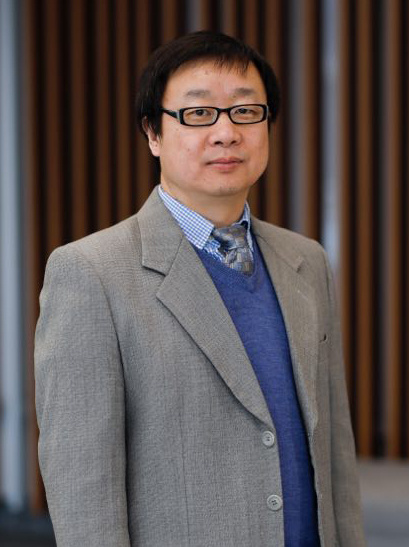 吴劲松博士师从郭可信院士于中科院北京电镜实验室获得博士学位后,相继在欧美著名的电子显微镜实验室(包括德国Juelich研究中心、美国亚利桑那州立大学、美国乔治亚大学,美国西北大学等)与该领域的国际知名学者一同工作。吴劲松于2018年全职回国工作。他现任武汉理工大学纳微研究中心执行主任。他共发表科技论文140余篇,其中包括Science (2), Nature Nanotechnology (1), Nature Materials (1),Nature Communication (1), JACS (10), Advanced Materials (2), Nano   Letters (4),ACS Nano (9)等。他曾获国际电镜学会、日本电镜学会、德国洪堡奖金等多项奖励。