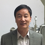 复旦大学教授,中国质谱学会常务理事,中国仪器仪表学会质谱专业委员会副主任委员等。研究领域为物理化学和分析化学。近年来的主要研究方向包括新型质谱仪器及其分析方法,质谱学方法研究分子间若相互作用等。先后申请和获得美国,日本,欧盟以及中国专利近50项。曾获2010年度国家科技进步二等奖,2015年仪器仪器学会科学技术奖一等奖。2016年上海国际工业博览会创新银奖等。