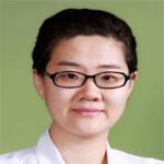 理学博士。2001-2002 年就读于北京大学新闻与传播学院主修新闻学。后转到北京大学化学与分子工程学院学习,并于 2006 年获得理学学士学位,同年保送至北京协和医学院攻读药理学博士学位。 在 2011 年获得药理学博士学位后进入北京协和医院临床药理中心工作,主要从事新药的 I 期临床研究。主要研究方向包括复杂生物基质中的药物/生物标志物的定量分析、药物药物相互作用研究、代谢产物鉴定以及新药的 PK/PD 研究等。并作为主要参与人员参与了「十一五」,「十二五」新药创制国家重大科技专项。作为负责人承担国家实验室开放课题 1 项,国家自然科学基金青年基金 1 项,参与国家自然科学基金3项。目前担任中国药理学会数学药理专业委员会青年组 委员(2014-2018);中国药物学会治疗药物监测专业委员会青年组委员(2016-2020);《协和医学杂志》青年编委。