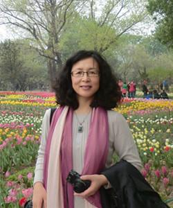 教授 1988、1991和1994年分别获得北京大学化学系(现为北京大学化学与分子工程学院)分析化学专业学士、硕士和博士学位。研究领域与研究方向为分子光谱与生化分析,主要兴趣为基于功能化纳米材料的光学生物传感体系的构建、分子识别性质及其在生化分析中的应用。主持多项国家自然科学基金面上项目,参加国家自然科学基金重大研究计划培育项目1项,国家自然科学基金重点项目2项。以通讯作者发表SCI收录论文50余篇。