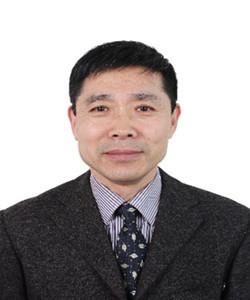 教授(博导),北京化工大学。研究方向:光谱过程分析技术。从事分析仪器,化学计量学,过程分析和过程控制等技术研究,发表科技论文逾百篇和专著多部,获得技术专利多项。主持开发基于HPLC、分子(近红外、红外、拉曼)光谱、紫外光谱、高光谱等和计算机信息处理技术的光谱过程分析仪器系列(便携、专用和在线等)产品,成功用于石化、国防、农业、电力、烟草、食品、质检等领域,获得了显著的经济和社会效益。担任中国仪器仪表学会近红外光谱分会理事长;亚洲近红外光谱学会国家代表,中国仪器仪表学会理事,中国仪器仪表学会学术委员会委员等职务。
