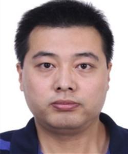 北京市产品质量监督检验院/国家汽车质量监督检验中心(北京)灯光电器与新能源实验室副主任。负责动力电池、驱动电机、车身电器、整车电安全等领域检测实验室及北京市新能源汽车质量安全监控平台的管理工作。尤其在动力电池领域有十多年工作经验,熟悉材料、电芯、电池包生产及废旧电池回收处理的工艺及检测工作,同时起草并参与多项北京市新能源汽车相关行业管理政策的制订。