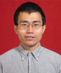 中国科学技术大学理化科学实验中心副主任、高级工程师。自2002年开始从事热分析与吸附技术的分析测试、仪器维护、实验方法研究等工作。曾获中国分析测试协会科学技术奖(CAIA奖)二等奖,主持修订教育行业标准《热分析方法通则》(JY/T 0589.1~4-2018、JY/T 0589.8、JY/T 0589.9)和教育行业校准规范1项(JJF xxx.3 热重仪校准规范),以主要作者发表SCI论文30余篇。