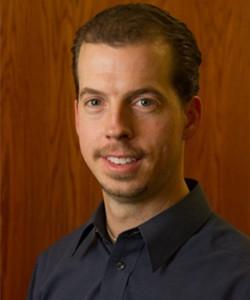 赛默飞世尔科技生物工艺先进技术研发部负责人。他拥有犹他州立大学生物工程学士和硕士学位。在生物技术领域的可行性研究、过程开发、规模化和系统认证方面有超过16年的实战经验。2005年第一台商用搅拌罐式一次性生物反应器设计诞生,Nephi就是该研发团队的创始成员之一。在他的职业生涯中,主要职责包括细胞培养基开发、生物过程放大、系统设计、过程开发、技术商业化、业务开发和项目管理。并且在反应器设计、放大、过滤、无菌容器、分析和纯化方面拥有多项已批准和已申报的专利。
