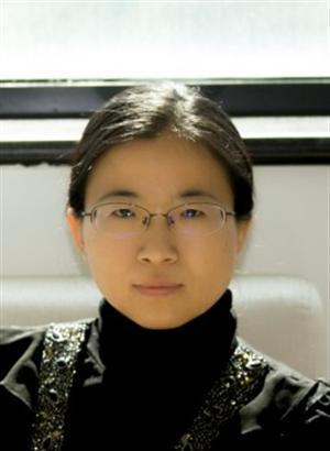 """中国科学院半导体研究所,研究员,博士生导师,中国科学院大学教授。2005年于英国诺丁汉大学物理天文学院获博士学位;随后到英国剑桥大学材料冶金学院GaN研究中心工作,2007至2009年初在英国FORGE-EUROPA公司工作。2009年5月加入中国科学院半导体研究所,同年入选科学院第一届""""引进杰出技术人才""""计划。目前主要致力于光通信用新型氮化物光电器件及可靠性方面的研究,先后主持承担科学院、科技部及国家自然科学基金委等10余项国家科研项目。迄今发表学术论文100多篇,SCI引用2300多次,申请发明专利30多项,负责起草国家标准5项,受邀在香山、半导体物理、国际纳米光电等国际国内会议做邀请报告20余次。目前是全国微束分析标准化技术委员会表面化学分析分技术委员会委员;全国二次离子质谱学会议组织委员会委员;北京照明学会第八届计量测试专业委员会副主任。"""