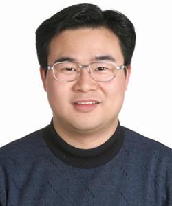 中国电子技术标准化研究院赛西实验室绿色环保检测评价实验室技术负责人,全国电工电子产品与系统的环境标准化技术委员会材料声明分技术委员会(SAC/ TC2 9 7 / SC1)委员。主要研究方向是电器电子产品污染防治标准化以及有害物质检测技术等。参与制定了与《电器电子产品有害物质限制使用管理办法》配套实施的多项标准,主编完成有电子电气产品中有害物质检测方法国家标准/电子行业标准6项,参与发表RoHS符合性检测相关论著2部,发表论文10余篇。