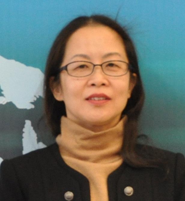 """北京市自来水集团水质监测中心主任,硕士学位,高级工程师,从事水质监测及水质管理工作三十多年。参加过""""十一五""""、""""十二五""""水专项课题研究,及多项水行业相关课题研究工作,多次参与行业及国家水质标准及检测方法标准的制修订工作,是国家实验室认可主任评审员。在实验室管理及饮用水工艺技术、水质标准等方面有丰富的实战经验。"""
