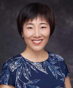 博士,研究员,中国计量科学研究院基础计量科学研究中心新材料计量实验室主任,国家一级注册计量师。是APMP TCMM (亚太计量组织 材料计量技术委员会)候任主席、VAMAS(凡尔赛新材料预标准化组织)TWA41石墨烯及相关二维材料工作组联合主席、ISO/TC229, ISO/TC201及IEC/TC113代表、全国纳米技术标准化委员会纳米检测技术工作组SAC/TC279/WG5秘书长、中关村材料试验联盟共性与基础技术领域CSTM/FC00秘书长。十二五期间承担科技支撑国家重点专项《碳基纳米材料特性参数计量标准建立》,十三五期间作为首席科学家主持国家质量基础重大专项《石墨烯等碳基纳米材料NQI技术研究、集成及应用示范》。研制发布国家一级标准物质10余种,主导及参与APMP和VAMAS国际比对6项,主持及参与制定国家标准5项,作为中方leader主导国际比对1项。获得省部级奖励一等奖1项,三等奖2项。