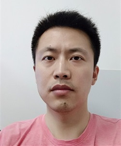 博士,工程师。现任职于浙江大学冷冻电镜中心,主攻技术方向:大尺度三维重构技术、电子断层技术和高压冷冻-冷冻替代制样技术。