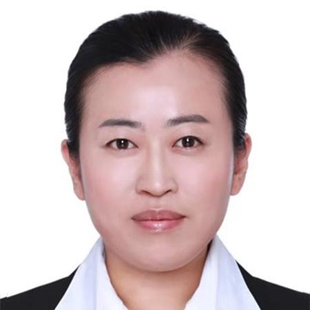 毕业于北京中医药大学。从事中药质量评价与微区分析的教学和科研工作。为北京中医药大学智能检测与传感器技术团队:LIBS技术与过程检测研究小组成员。自2013年至今,一直致力于LIBS技术在中药(民族药)质量评价与过程检测研究。 现任世界中医药学会联合会中药系统科学与工程专业委员会理事、中国仪器仪表学会药物质量分析与过程控制分会理事、中华中医药学会中药分析分会委员。 主持山东省高等学校科技计划项目(科技类)A项目1项,北京中医药大学校级课题1项,滨州医学院校级课题1项,参与国家自然基金3项,国家博士点基金1项,国家中医药管理局行业专项子课题1项。发表学术论文20余篇,其中以第一作者或通讯作者发表SCI学术论文4篇。参编《中药分析学专论》教材1部,荣获教育部科学技术二等奖1项。
