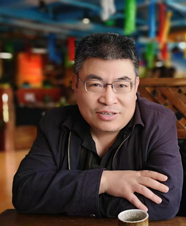 北京安科慧生科技有限公司技术总工,毕业于北京大学物理系,三十年从事XRF软硬件研发, FP算法的探索与研究者。