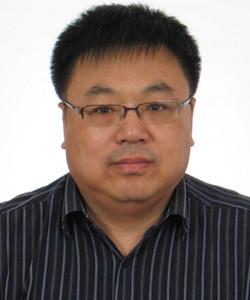 中国科学院金属研究所研究员,博士生导师。全国微束分析标准化技术会员会委员,中国材料研究学会金属间化合物与非晶合金分会理事。多年从事固体材料显微结构与缺陷、材料界面精细结构的多尺度表征,涉猎金属间化合物高温结构材料,炭炭复合材料和新型炭材料。在Carbon, PRL, Acta Materialia等国际刊物发表论文150余篇;合作撰写专著3部(英文1部);获得日本及国家发明专利10余项。曾获国家自然科学四等奖,中国科学院自然科学二等奖,辽宁省青年科技二等奖,以及2001年美国电镜学会优秀展示论文二等奖。