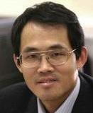 英国利兹大学讲席教授,北京石油化工学院制药和结晶工程实验室主任,国家千人计划入选者,并创办了晶格码(英国)和晶格码(青岛)智能科技有限公司。他目前的研究集中在制药,生物制药,纳米材料,和精细化工的产品和过程开发,过程放大,生产监测,控制和故障诊断。工业合作伙伴包括世界最大制药和农业化学公司辉瑞、葛兰素史克、阿斯利康、先正达等以及国内制药和精细化工企业例如万华化学、齐鲁制药、鲁南制药、白云山制药、中华国际圣奥化学、华海药业、无限极(中国)和东阳光药业等。发表科研论文200余篇篇,专著1部 。是国际上最早从事过程工业数据挖掘研究的学者。他的课题组首次实现了结晶过程中晶体形状分布的自动控制。在纳米生产过程的在线测量,模拟和控制领域,也取得了国际瞩目的成就。