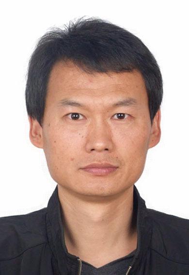 """研究员,博士生导师。2007年于中国科学院化学研究所获博士学位。2007年至2008年在中科院上海有机化学研究所工作。2009年至2011年期间,先后在巴黎第六大学(UPMC)和法国科学院(CNRS)从事博士后研究工作。在国家自然科学基金、山西省重点研发计划(国际合作)、教育部留学回国人员科研启动基金资助下开展:生物基精细化学品研制、复杂化合物成分分析、均相催化反应中的NMR研究。 2017年获中国分析测试协会科学技术奖(CAIA)二等奖(排名第1);2013年获山西省自然科学二等奖一项(排名第5)。担任《波谱学杂志》青年编委;北京理化分析测试技术学会波谱专业委员会理事;""""Ionic Liquids in Environmental Science"""" of """"Encyclopedia of Ionic Liquids""""(Springer-Nature出版社)编委。至今在Applied Catalysis B: Environmental, Chem. Commun., ACS Sustainable Chemistry & Engineering等国际期刊上发表SCI论文60余篇,申请专利30项,指导研究生8名。"""