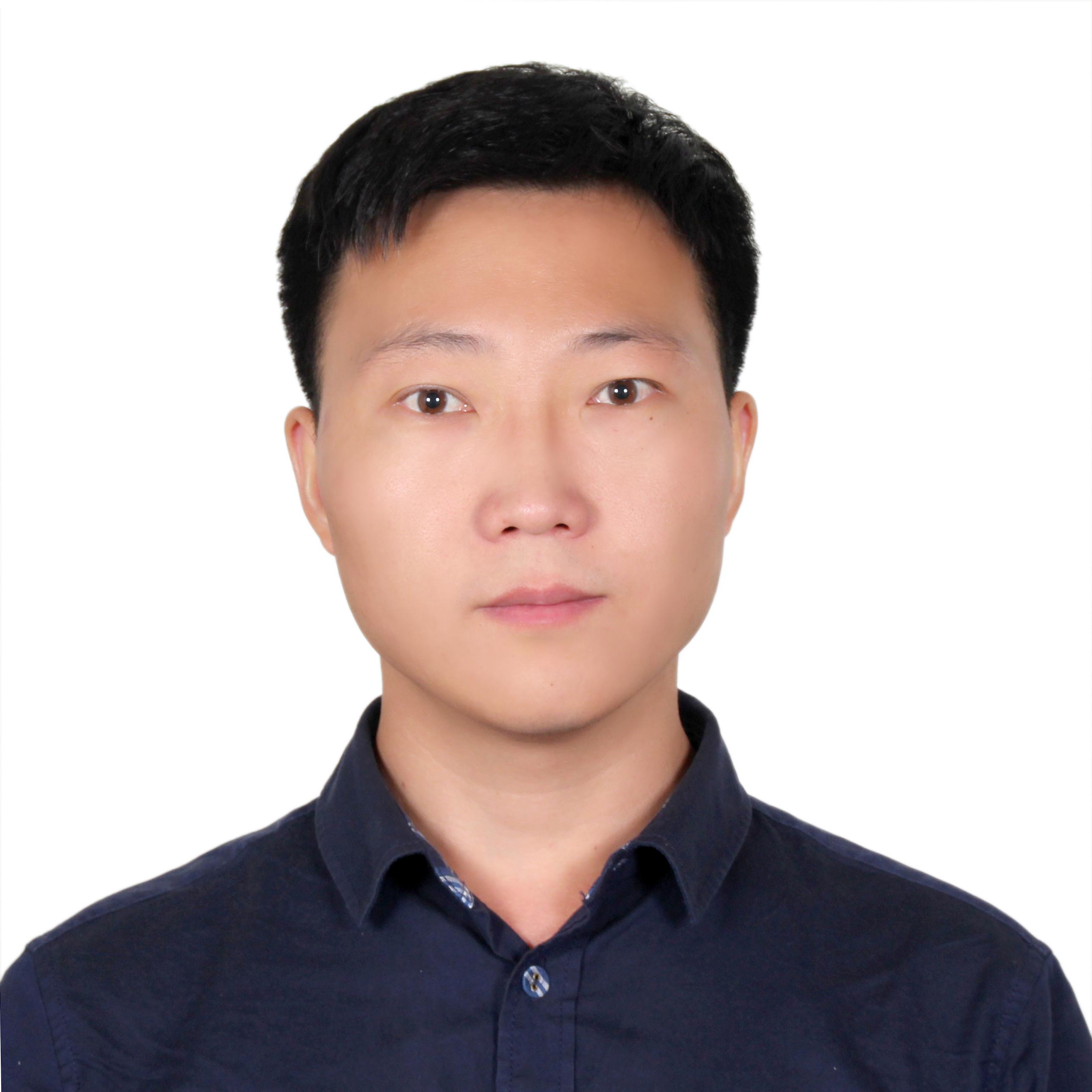 朱超飞,博士,中国科学院生态环境研究中心毕业,环境科学专业,就职于国家环境分析测试中心,从事于持久性有机污染物分析方法学和环境行为学的研究,目前主要关注高分辨质谱在环境中非靶标筛查方面的应用。