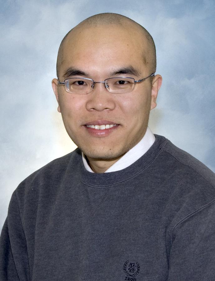 研究员,博士生导师,现工作于中国科学院精密测量科学与技术创新研究院脑科学研究中心。兰州大学与耶鲁大学联合培养博士,2015年入选中科院脑科学与智能技术卓越创新中心副研究员,2016年入选中国科学院青年创新促进会会员。主要从事于核磁共振波谱(MRS)及小动物磁共振成像(MRI和fMRI)在脑功能及其异常领域内的应用,工作重点放在酒精成瘾、痴呆以及麻醉机制等相关领域。已主持7项国家自然科学基金面上项目、青年基金、湖北省自然科学基金等,子项目负责人参与国家863课题,项目骨干参与国家重大研究计划、中科院战略先导专项以及重大国际合作等多个项目研究;在PNAS,Neuroimage,BBA Molecular basis of disease, Analytical Chemistry等SCI期刊上发表论文40余篇;获批国家发明专利5项,软件著作权8项。