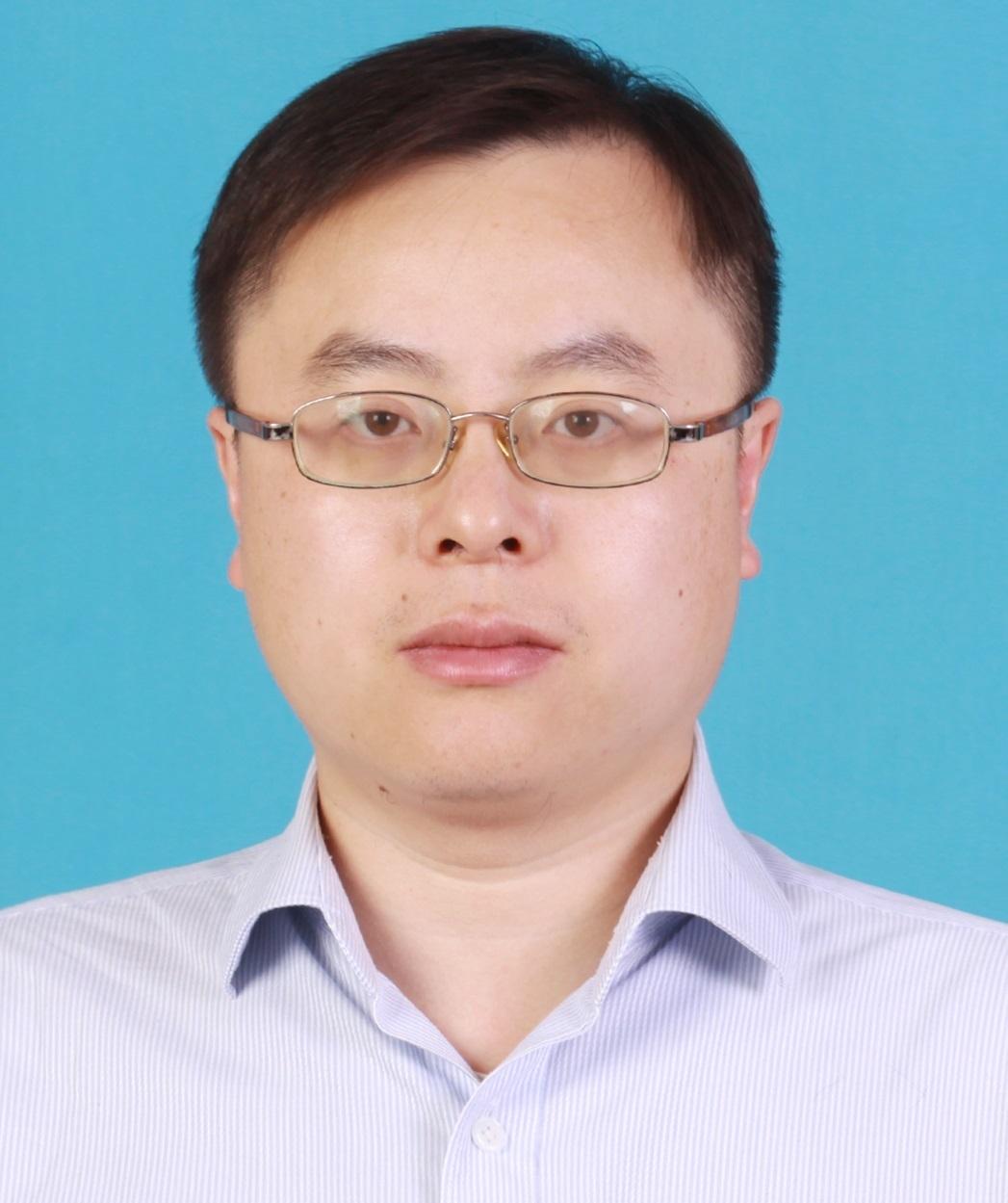 """中国科学技术大学化学系教授,博士生导师。2001及2004年先后在北京师范大学获分析化学学士和硕士学位,2007年在清华大学获得博士学位。2012-今在中国科学技术大学化学系任教。于2013年入选中组部第四批""""青年千人计划。美国质谱协会会员,中国质谱分析专业委员会委员。长期从事质谱分析及其化学、生命科学等领域的应用研究。目前主要承担国家自然科学基金青年及面上项目,中组部千人计划以及科技部重大研发计划子课题等课题。在Cell,PNAS,Angew. Chem. Int. Ed.,Anal. Chem.,Chem. Sci., Chem. Comm. 等国际期刊上发表论文50余篇,引用1200余次。于2018年获得中国质谱学会首届""""质谱青年奖""""。"""