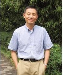 中国医学科学院药用植物研究药理毒理研究中心主任。1985年江西大学生物系本科毕业,1997年北京药物化学研究所与北京大学蛋白质工程国家重点实验室联合培养的博士毕业,同年在北京大学生物膜工程国家重点实验室从事博士后研究工作,2000年赴美留学,先后在美国国立健康研究院衰老研究所遗传学实验室、北卡大学教堂山分校生物系从事博士后研究工作,曾在杜邦儿童医院生物医学研究中心,加州大学洛杉矶分校医学院分子药学系任助理研究员、助理教授。2008年受聘国际知名生物制药公司-葛兰素史克,担任新药研发部高管,同时兼任神经干细胞实验室主任。在留学期间参与完成5项重大课题,本人独立完成其中与瑞氏综合症相关的3项课题,并对瑞氏综合症进行深入系统的研究,以第一作者和并列第一作者分别于2006年和2009年在世界权威学术刊物NatureGenetics和PNAS发表两篇研究论文。由于对瑞氏综合症突破性研究,应邀3次在国际会议作学术报告,其中包括2006年第36届美国神经科学大会。此外还多次应邀在国内外其他学术机构作研究报告。