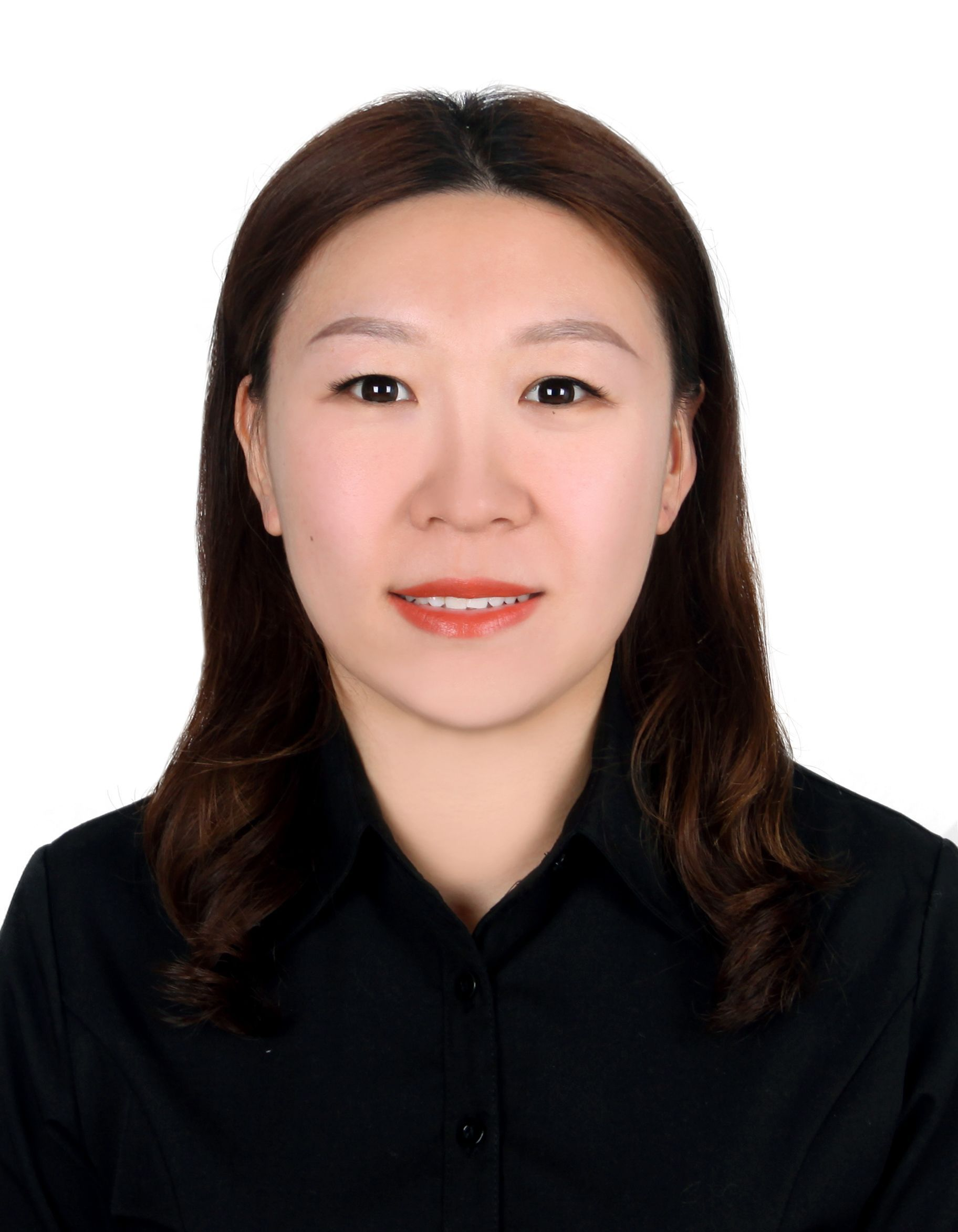 现就职于霍尼韦尔(中国)有限公司,于研究化学品部门担任产品经理。材料学/生物应用化学硕士,在药物化学,生物化学以及相关分析检测领域有十余年的工作经验。