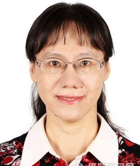 周立春老师在药品检验一线工作32年,曾任北京市药品检验所化学室主任、抗生素室主任、生化生检室主任及所长助理。第九、十届、十一届药典委员会委员、北京市上市后药品安全性监测与再评价专家库专家,国家食品药品监督治理局等多个机构审评专家库专家。