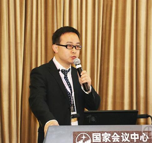 尹宏瑞,毕业于武汉大学,于2011年开始供职于岛津企业治理(中国)有限公司,长期从事LC/LCMS产品技术支持和市场推广工作,对液相色谱及相关检测技术经验丰富。