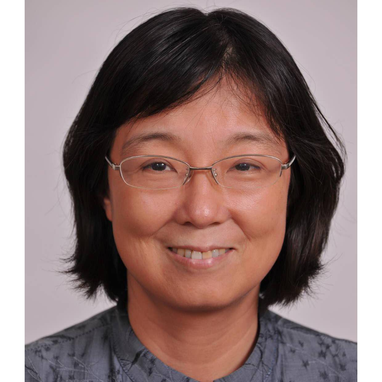 刘芬,中科院化学所副研究员,从事电子能谱及表面分析测试与研究工作三十余年,发表相关学术文章数十篇。从事标准化工作近二十年,主持和参与编制国家标准多项。现在担任全国微束分析标准化技术委员会秘书长,及表面化学分析分技术委员会秘书长。