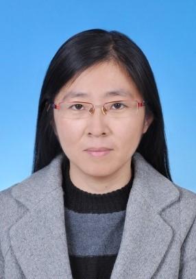 博士,副教授。2008年毕业于中国科学院大连化学物理研究所分析化学专业。主要从事复杂样品的分离分析工作。根据复杂样品分离纯化中的难点问题,开展新型色谱固定相基本性能和潜在应用的系统评价工作。以中药系统分离与化学表征方法学研究为课题,重点开展了中药系统分离的研究工作,进展了互补分离和目标制备方法,建立了新型的线性放大技术和样品浓缩技术。建立了中药标准组分的标准化表征方法,解决化学表征过程中数据的可比性和通用性问题。进展了中药类化合物的质谱目标筛选方法。