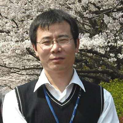 """中国科学院兰州化学物理研究所研究员,博士生导师,精细石油化工中间体国家工程中心副主任,能源与环境纳米催化材料组课题组长。2008年毕业于中国科学院兰州化学物理研究所并获理学博士学位,2009-2011年在日本国立物质材料研究所博士后,2011年10月到中科院兰州化学物理研究所工作,任创新研究员。研究工作主要集中于半导体光催化及光电催化纳米材料的结构设计构建及其性能研究,在J. Am. Chem. Soc, Angew. Chem. Int. Ed., Nat. Catal等期刊发表论文120余篇,相关工作被引用9000余次,其中16篇引用超过100次,最高单篇引用2500余次,H因子为40。先后承担国家自然科学基金重点项目、优秀青年基金、面上项目等10余项,并获得""""中国催化新秀奖"""",""""光催化优秀青年奖""""等学术奖励。"""