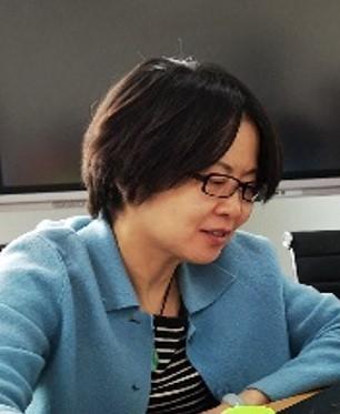 """毕业于北京工业大学化学与环境工程专业,硕士学位,高级工程师。曾担任北京市自来水集团水质监测中心主任,现在北京市城镇供水协会从事水质管理工作,具有三十多年水质监测及水质管理工作经验。参加过""""十一五""""、""""十二五""""水专项课题研究,及多项水行业相关课题研究工作,获得过北京市科学技术奖三等奖;多次参与行业及国家水质标准及检测方法标准的制修订工作,是国家实验室认可主任评审员。在实验室管理及饮用水工艺技术、水质标准等方面有丰富的实战经验。"""