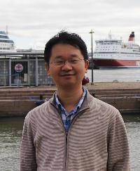 上海交通大学特聘教授,叶轮机械研究所所长。1995年上海交大本科毕业,2000年于上海交大获得工学博士学位。2017年获得国家自然科学基金杰出青年基金资助,主要从事实验流体力学、流-固-声耦合、流动传热实验测量技术及其与数值计算数据同化的研究。曾入选教育部新世纪优秀人才计划、上海市曙光计划。2016年起被美国宾夕法尼亚州立大学机械工程系聘为兼职教授。目前担任国际SCI英文期刊Journal of Fluids and Structures (Elsevier)和Journal of Visualization (Springer)的Associate Editor。