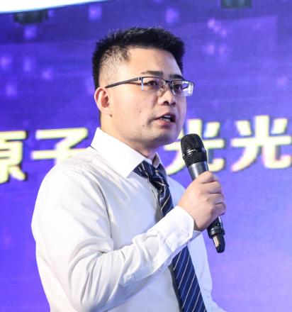 北京海光仪器有限公司原子荧光事业部部长,高级工程师。2004年至今,一直从事原子荧光及色谱-原子荧光联用技术与产品的研发。从业多年,承担了十余项国家级、省部级和企业级项目;研发成功十余种型号的原子荧光光度计系列产品;申请了70余项专利,拥有十余项发明专利;参与了多项专著、标准及规范的制定;其团队最新设计研发的HGF-V9原子荧光光度计获得2019BCEIA金奖。