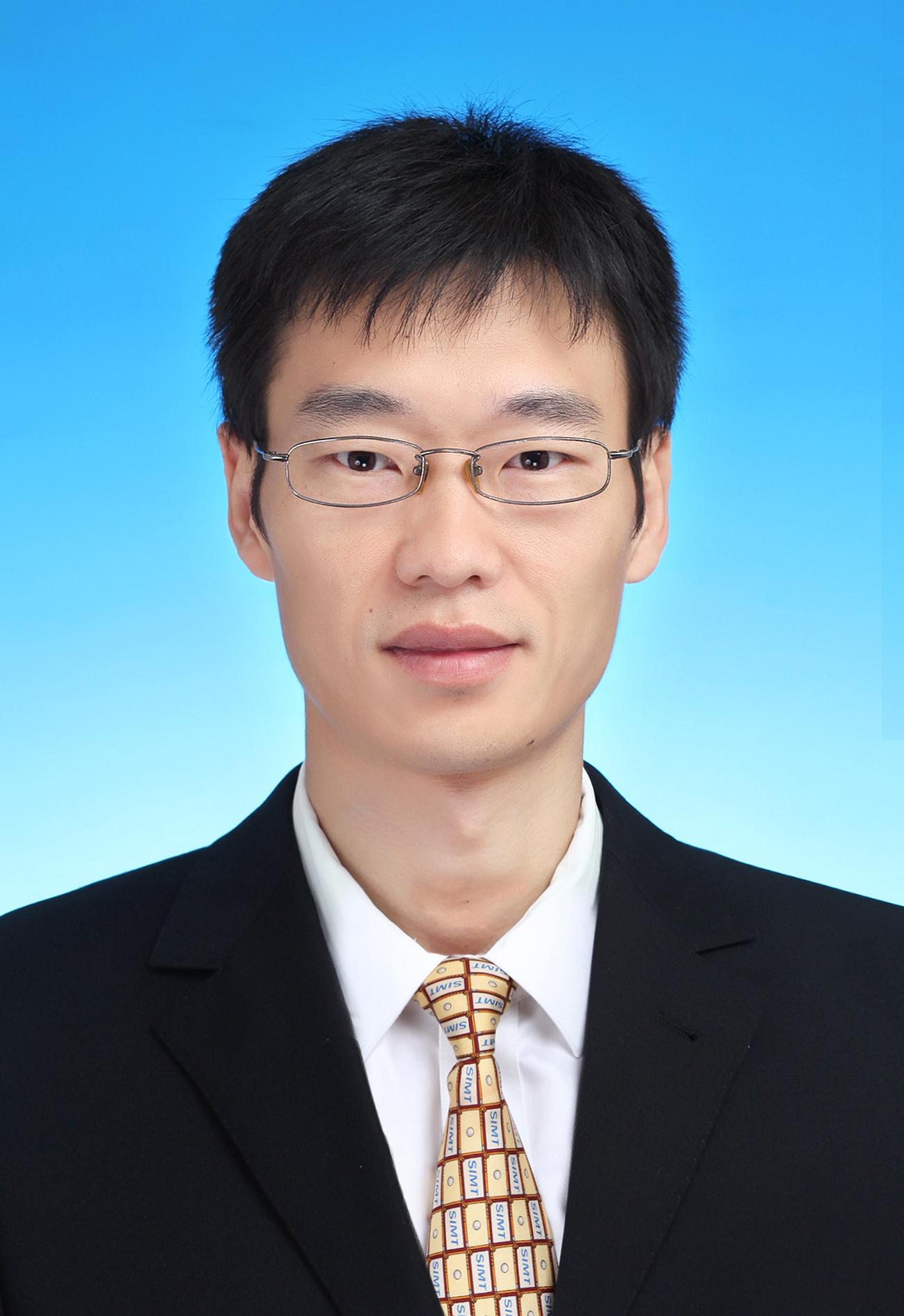 刘刚,男,1982年,博士,教授级高工,上海市计量测试技术研究院,研究方向生物标准物质、电化学生物传感。美国国家标准化技术研究院(NIST)访问学者。先后主持及参与科技部、国家自然科学基金、国家质检总局和上海市科委20多项科研课题的研究。获得:上海市科技进步奖二等奖,中国分析测试协会科学技术奖二等奖。获上海市青年科技启明星资助,上海市人才发展资金资助,获评上海市青年拔尖人才,发表论文30余篇,获得授权专利10项,研发生物标准物质30项。