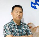 2009年加入北京普析通用仪器有限责任公司,现为产品开发主任。主要从事基于原子光谱的重金属检测专用设备开发与推广。主持开发了基于稀酸提取法的自动铅镉分析仪(粮食),获4项中国发明专利(1项实审)。