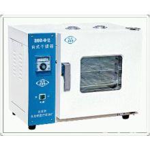 电热恒温干燥箱